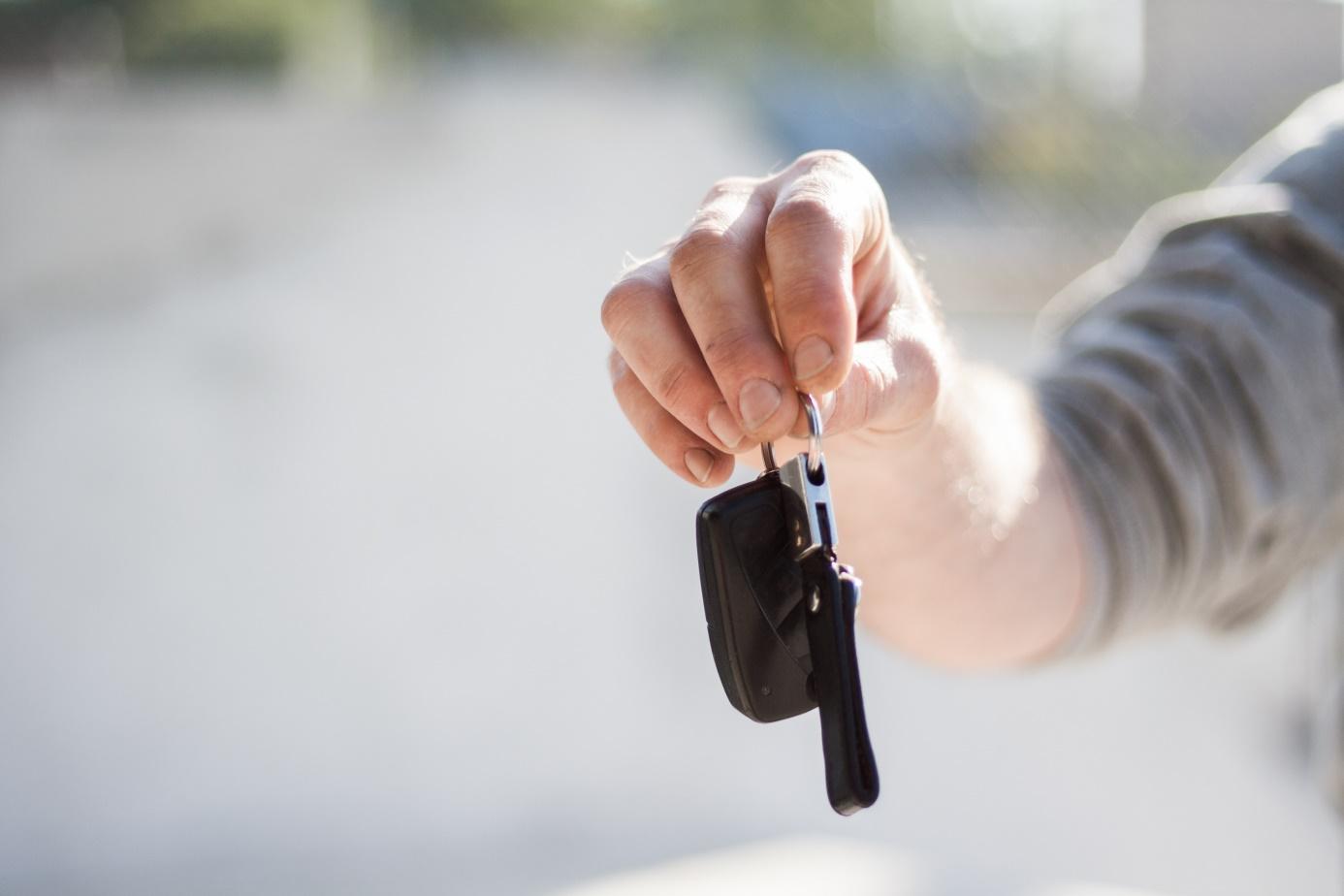 Zajęcie wynagrodzenia a użytkowanie samochodu służbowego przez pracownika